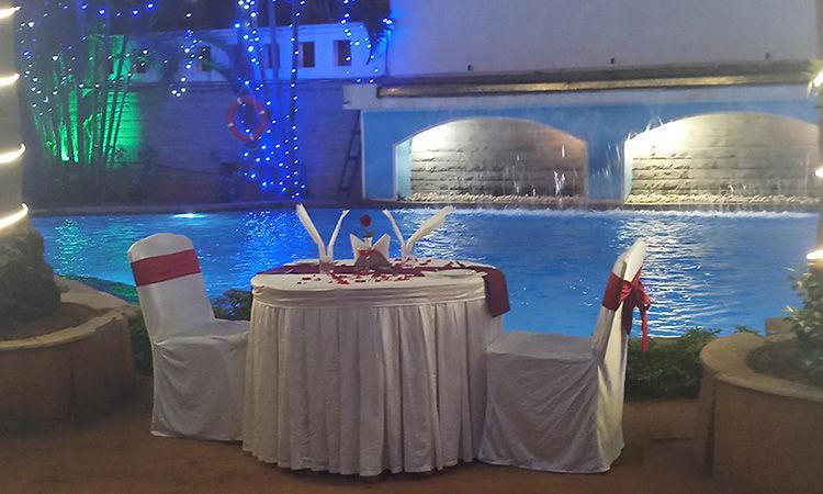 Majestic Poolside Date