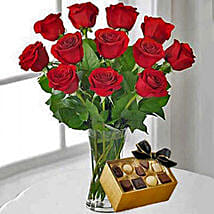 12 Red Roses With Chocolates: Valentine's Day Rose Delivery in Canada