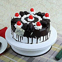 Black Forest Gateau: New Year Gifts Chennai