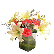 Contemporary Elegance: Republic Day Flowers
