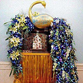 Dazzling Blue Flower Decoration: Flower Decorations