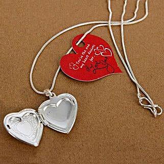 My Love Heart Locket: Accessories