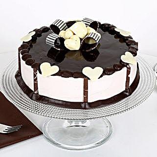 Stellar Chocolate Cake: Cakes to English Bazar