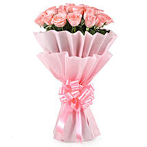 Stylish Pink Roses Bouquet: Flowers for Rose Day