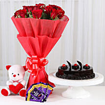 Red Roses Romantic Combo: Flowers & Cakes Ludhiana