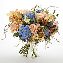 Bloom Seasonal Bouquet: Roses to New Zealand