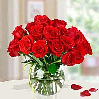 15 Red Roses Arrangement: Valentine Roses to Saudi Arabia