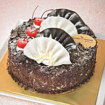 Yummy Black Forest Cake: Cake Delivery Singapore