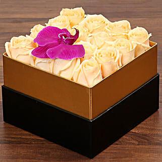 Beautiful Peach Rose Box: Send Birthday Gifts to UAE