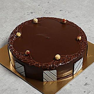 Hazelnut Chocolate Cake: Cake Delivery in UAE