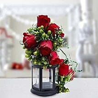 Joyful Gesture Bouquet: Valentine's Day Roses to UAE