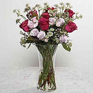 Roses Arrangement In Glass Vase: Flower Arrangements to UAE