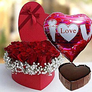 Splendid Arrangement: Valentine's Day Gifts for Her to UAE