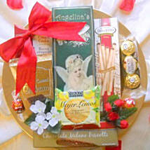 Love on a Platter: Valentine Gift Hampers to USA