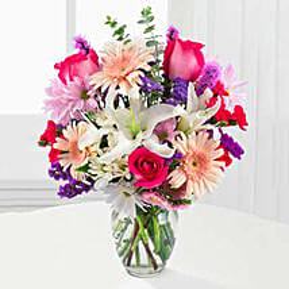 Peaches N Cream Bouquet: Send Birthday Flowers to USA